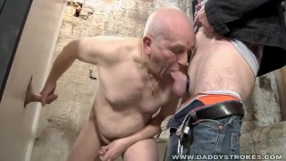 gloryholes out with Guys streached