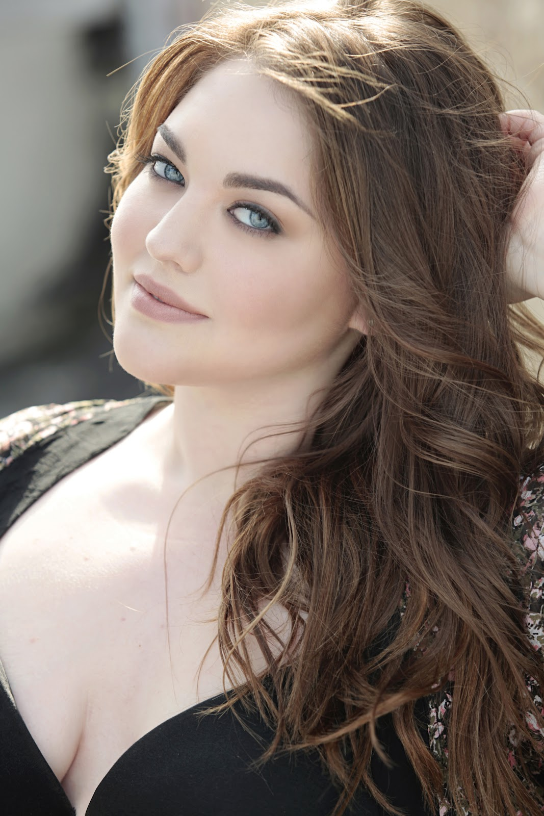 plus size model Brunette