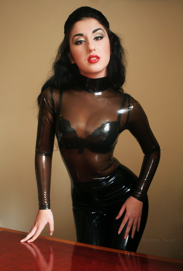 latex Marilyn yusuf