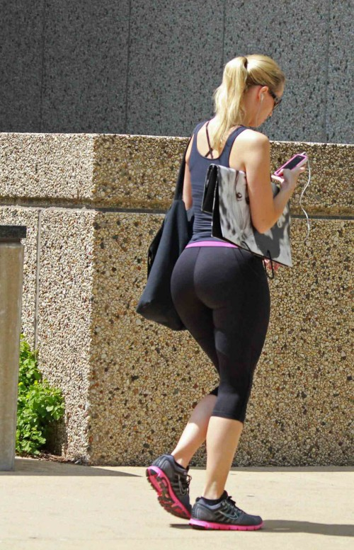 yoga pics pants in Booty