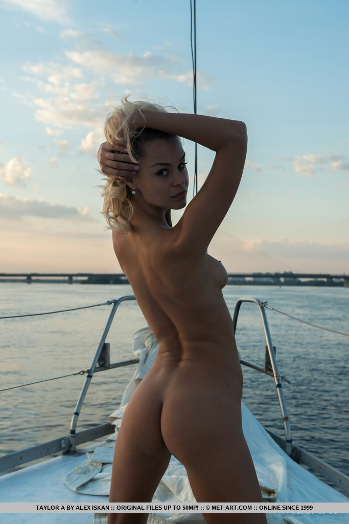 Young skinny girls nude