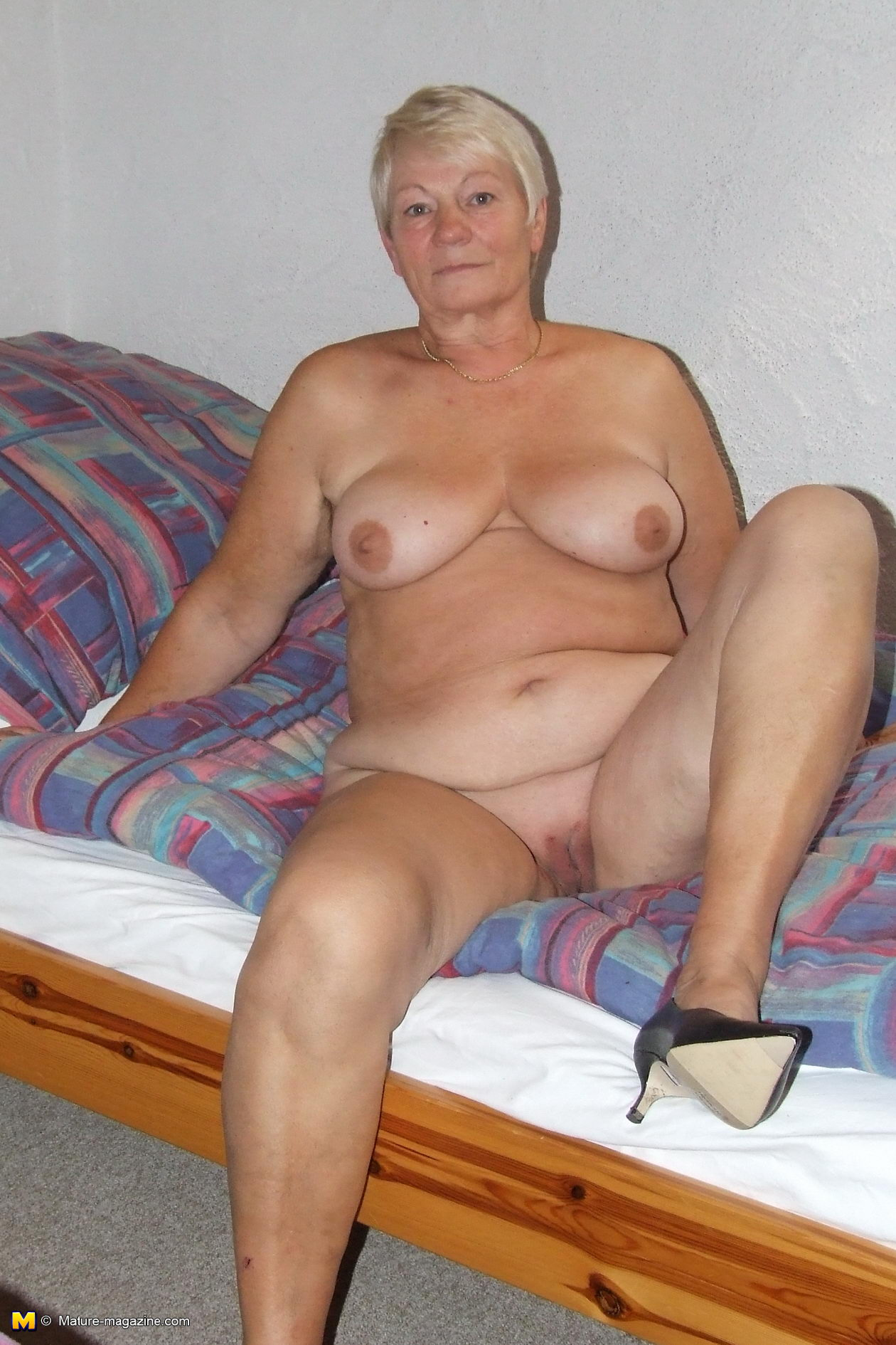 mature eaaters Busty pussy