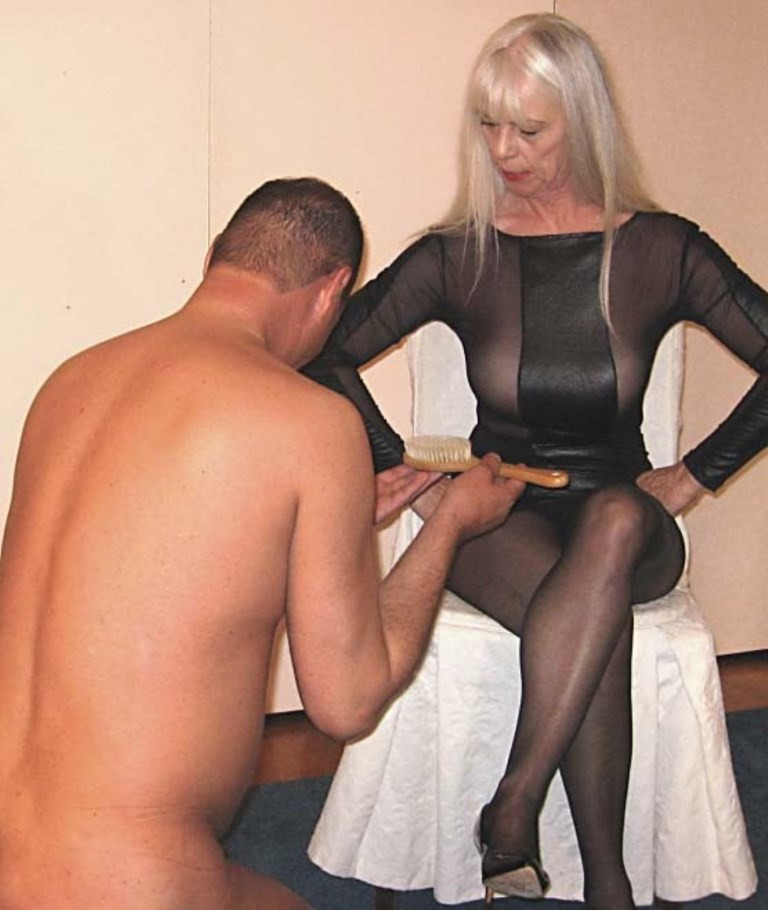 Mature housewives free videos