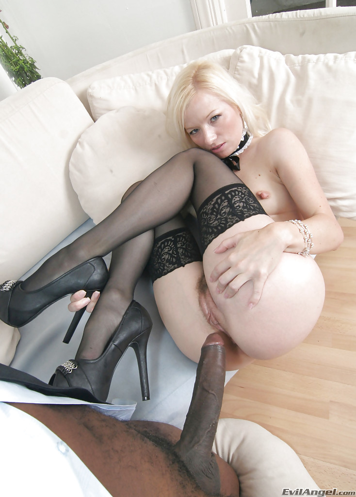 Licausi recommend Small blonde big cock