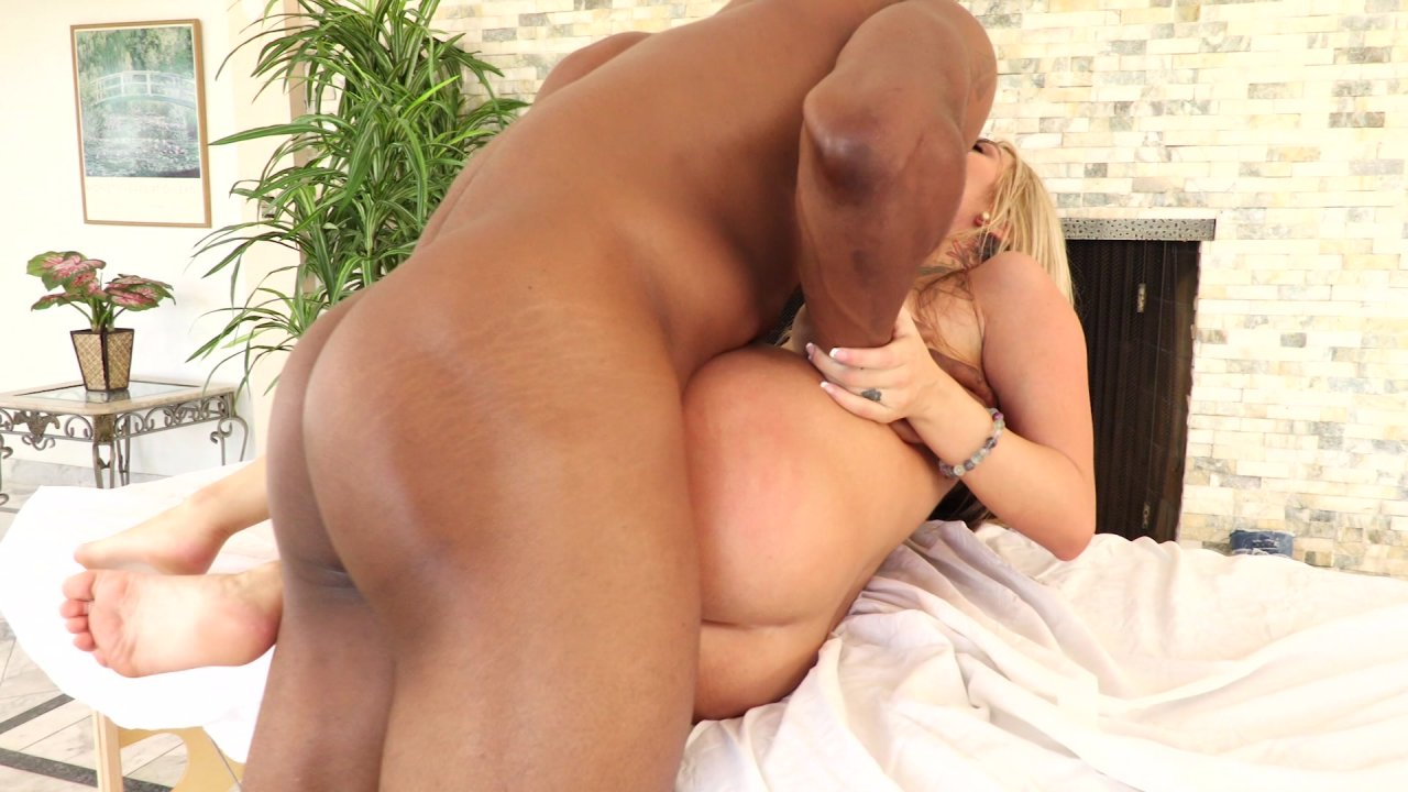 Story of wife getting accidently creampied at swinger party