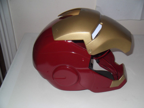 man cosplay Iron suits