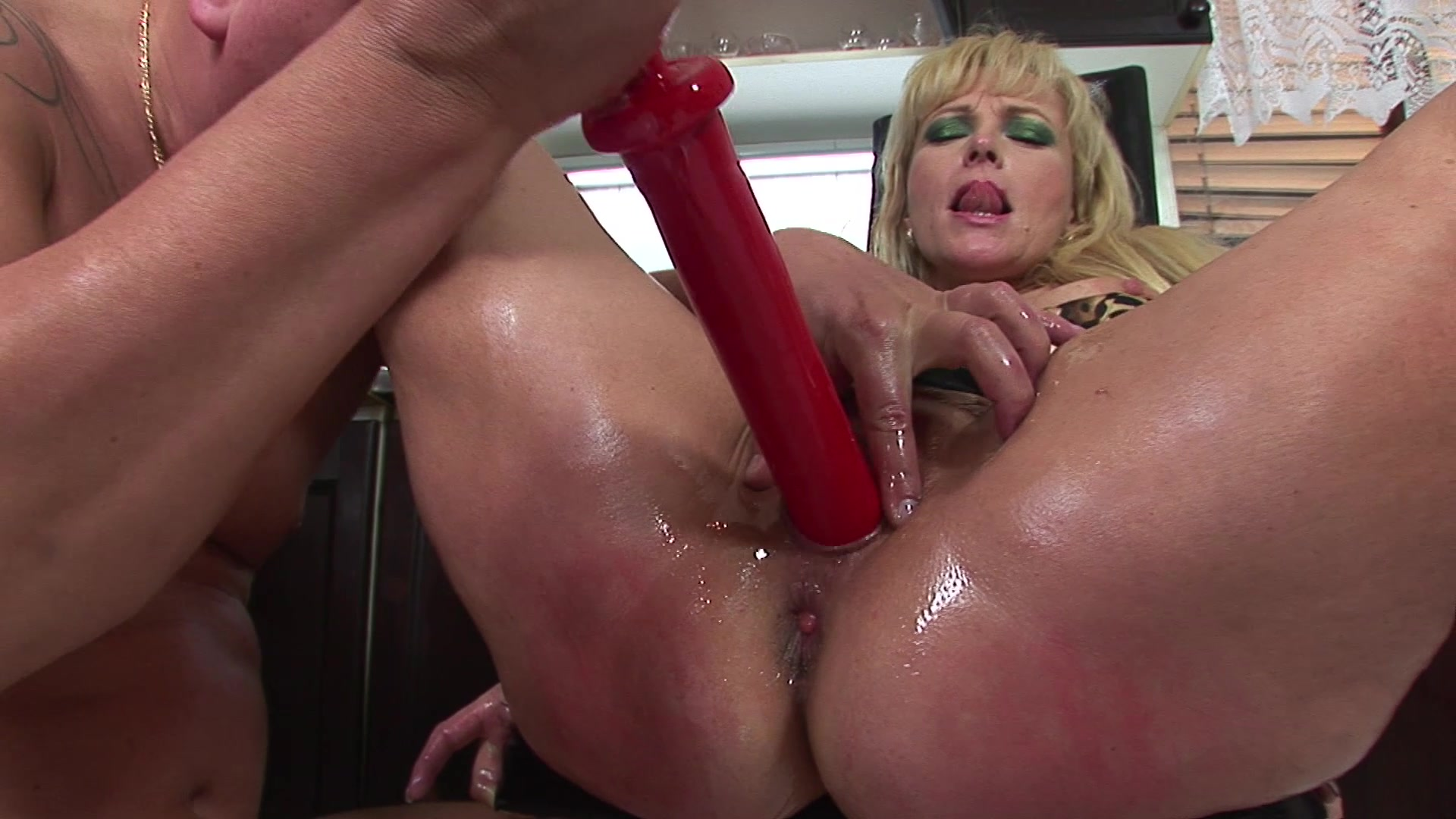 Ronni recommend Lesbian soccer mom porn