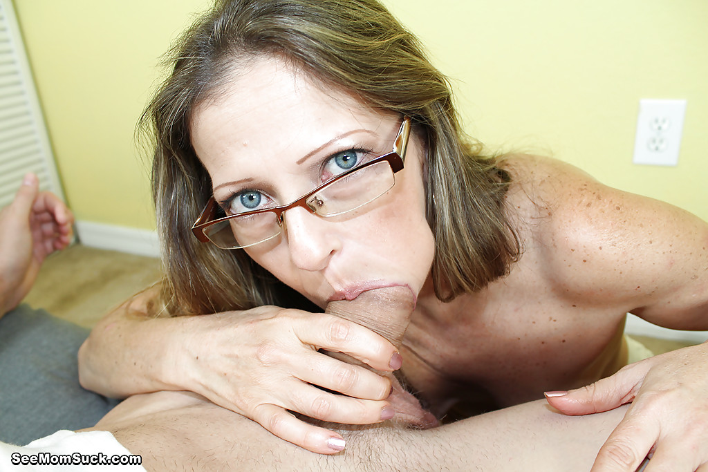 Sondra recommends Houswives in pantyhose