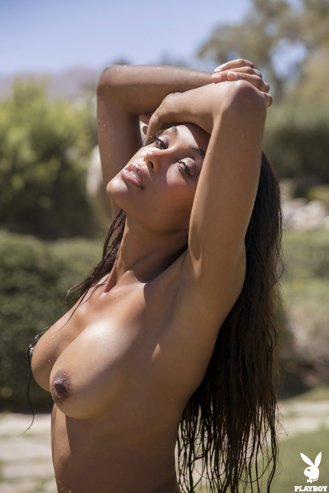 Women with shaved heads naked